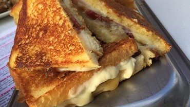 Croissants, grilled cheese, foodtruck et cocktails
