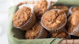 Muffins végétaliens aux carottes et aux pommes